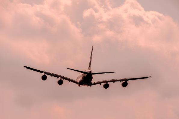 aircraft-1526567_1280