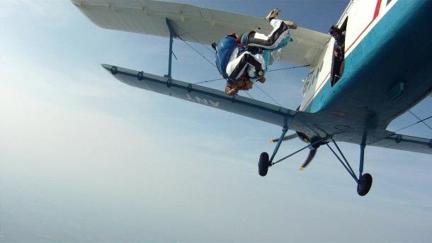 tandem-skydiving-102198_1280