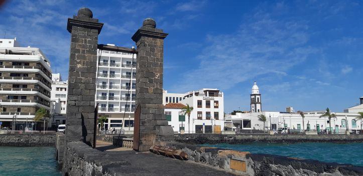 Puente de las Bolas- Arrecife.jpg
