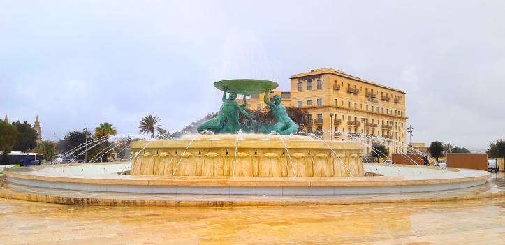 Fontana dei tritoni la Valletta.jpg