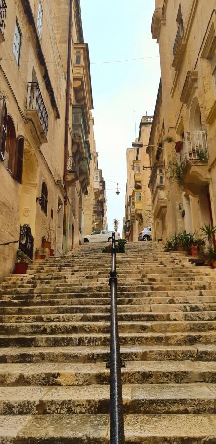 La Valletta - Malta Scalinate.jpeg