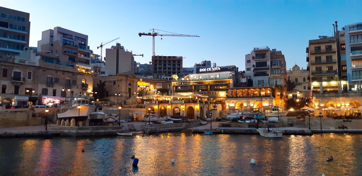 SPINOLA BAY BY NIGHT