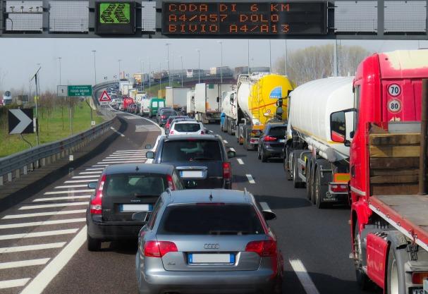 traffico ingorgo.jpg