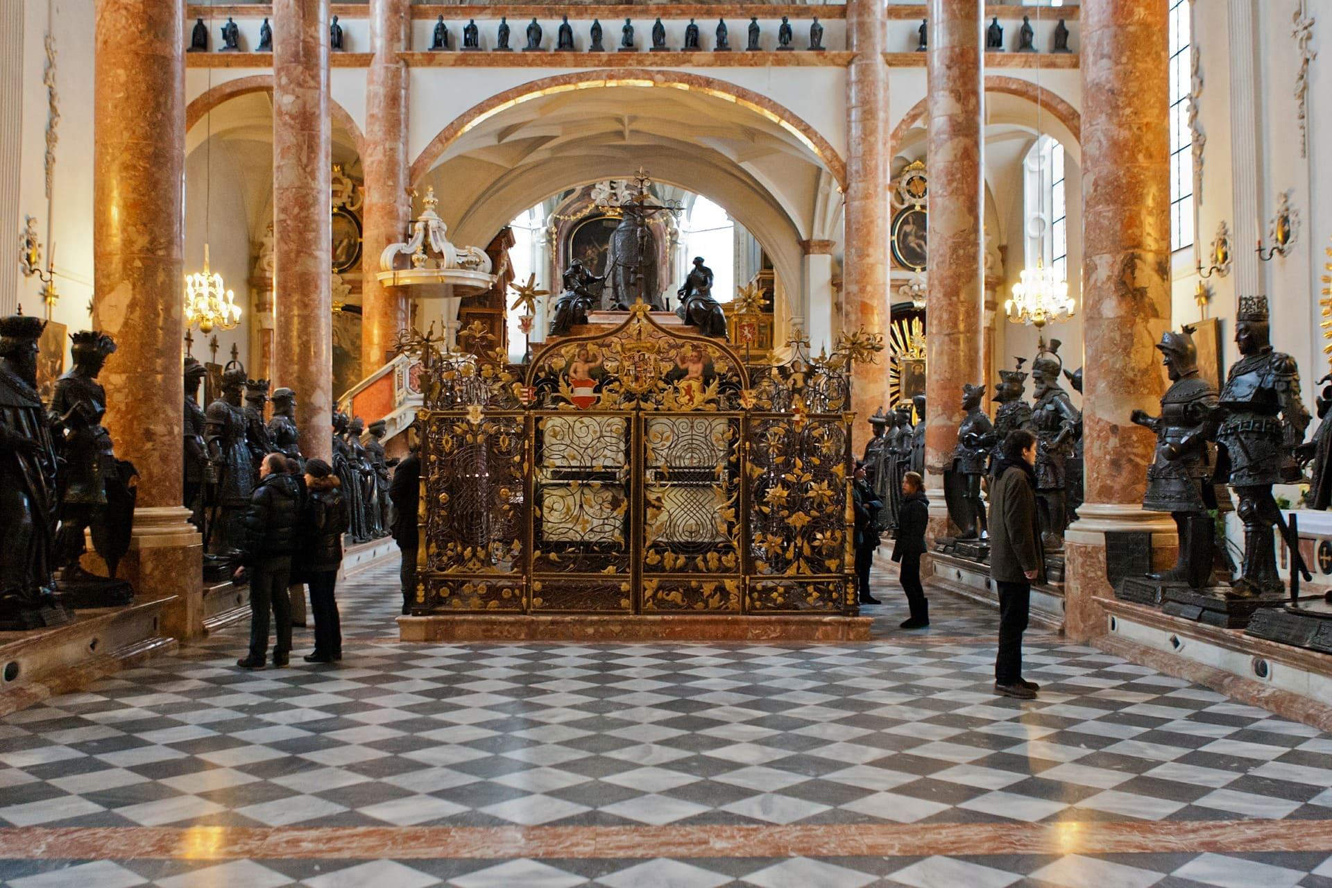Chiesa di Corte - Innsbruck mausoleo